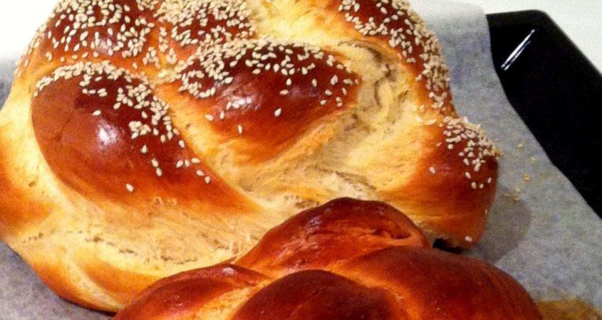 Tada - impressive round Rosh Hashanah Challah!